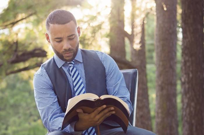 Internet preachers rise as more worshipers migrate online