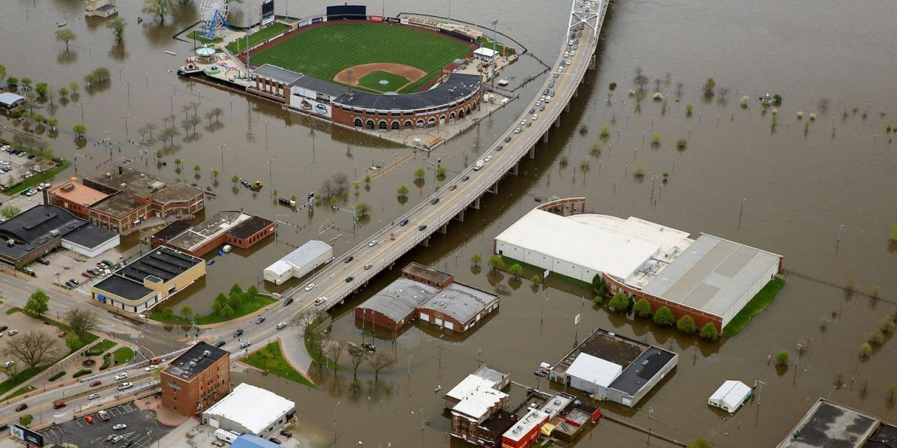 Mississippi River flood is longest-lasting in over 90 years, since 'Great Flood' of 1927