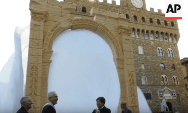 UN Displays Arch of Palmyra Combining New World Order, Idolatry and Quantum Physics