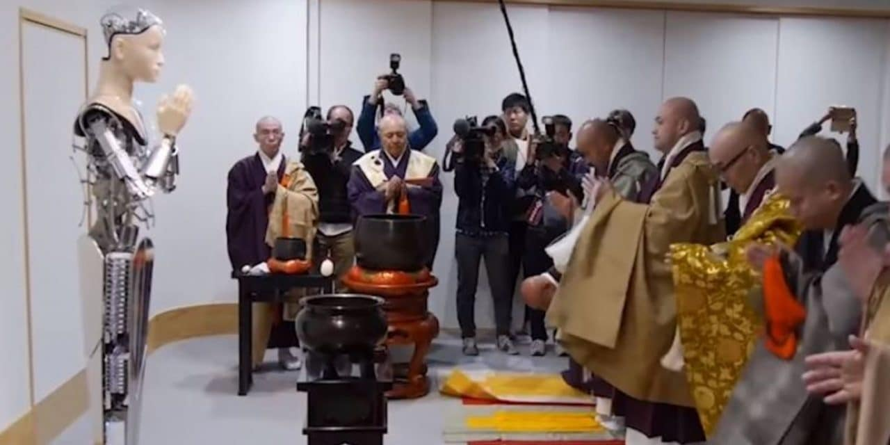 Japanese University Invents 'Robot God' to Preach at Buddhist Temples