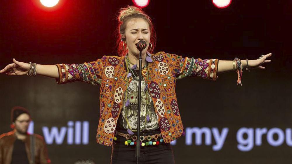 Christian Artist Lauren Daigle Makes Music History with 'Look Up Child', Releases New Music Video