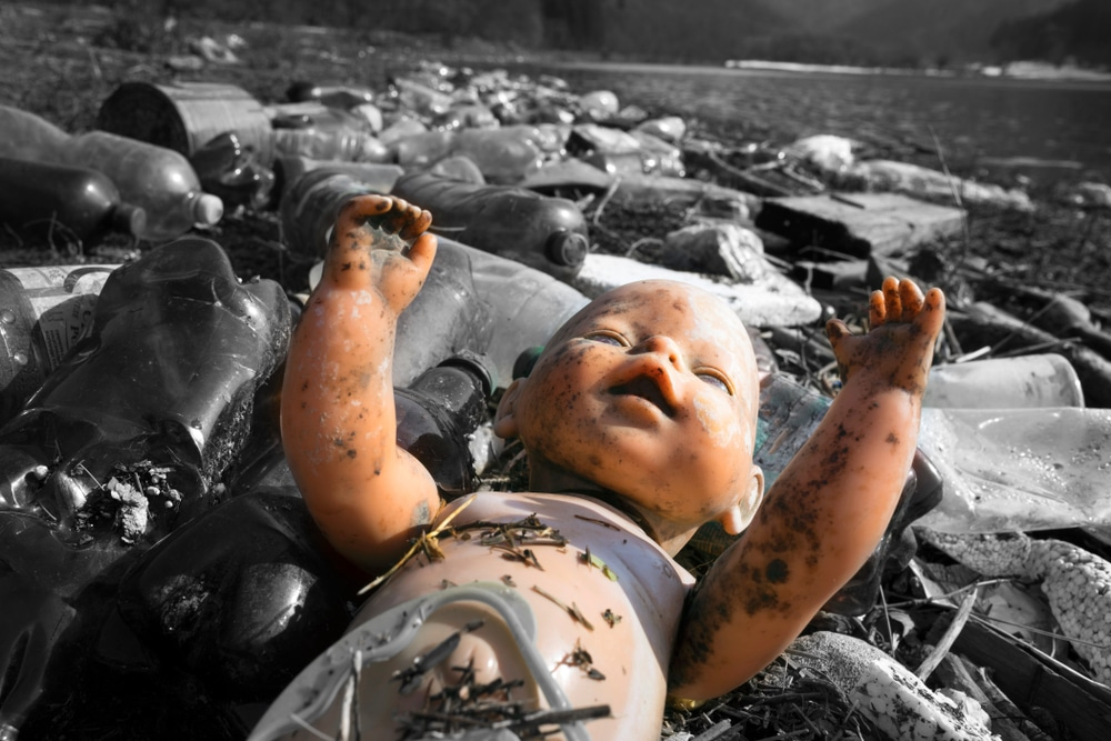 Creepy dolls, some headless, mysteriously appear around town Missouri