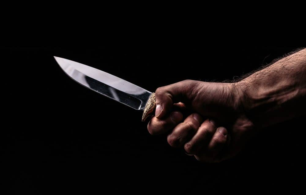 Man Stabs Wife to Death in Front of Horrified Patrons at NYC Salon