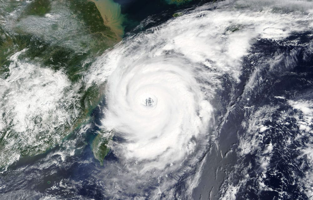 400,000 people told to evacuate as typhoon Faxai reaches deadly levels in Japan