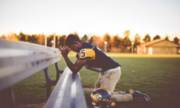 More Than 250K Students Huddle in Prayer, Worship on Athletic Fields Nationwide