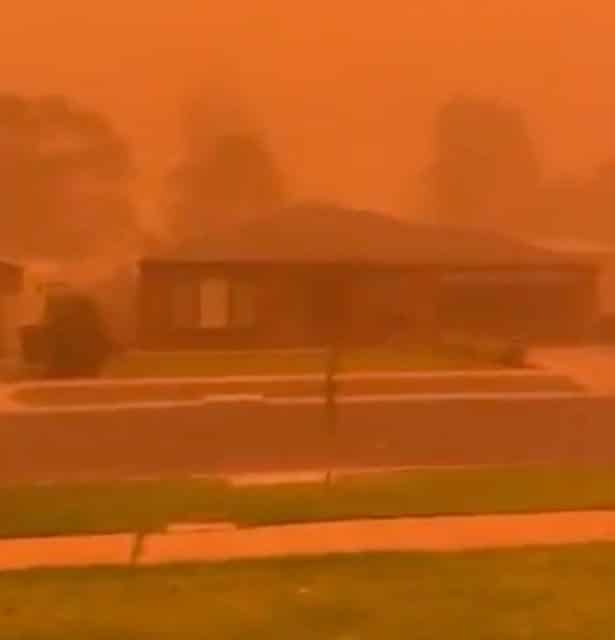 Apocalyptic 'orange cloud' smothers Australian city in terrifying video