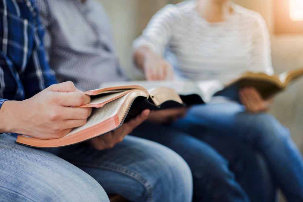 Bill to Ensure Schools Offer Bible Classes Advances in Florida