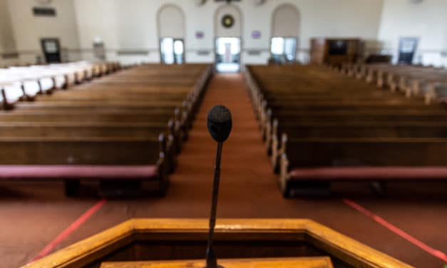Megachurch pastor steps away from pulpit because he feels far from God