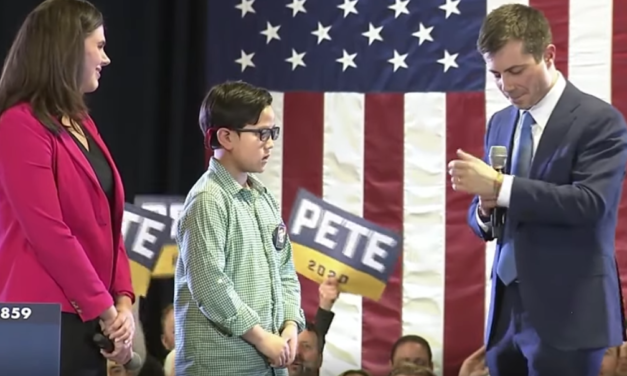 Pete Buttigieg helps 9-year-old boy come out as gay at Denver rally