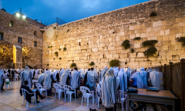 Thousands gather in Israel to pray against Coronavirus