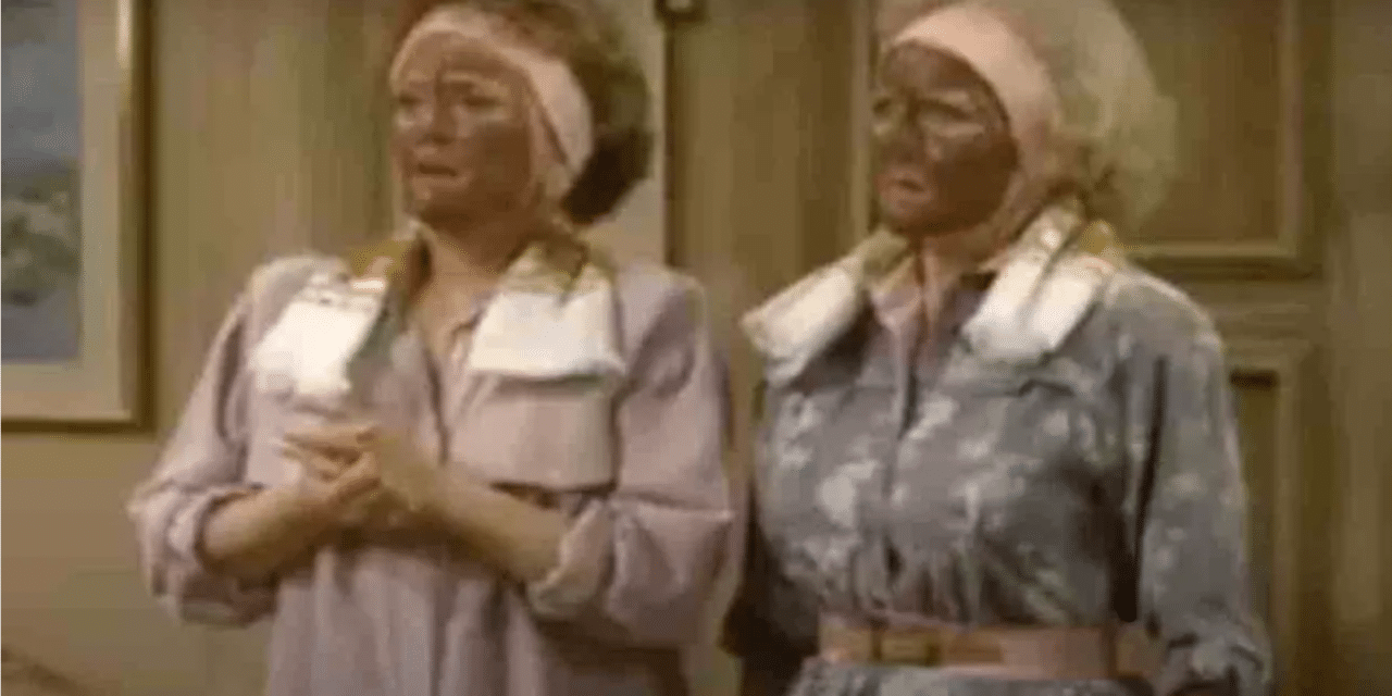 Episode of 'The Golden Girls' with characters wearing mud facial masks that are mistaken for blackface is removed by Hulu