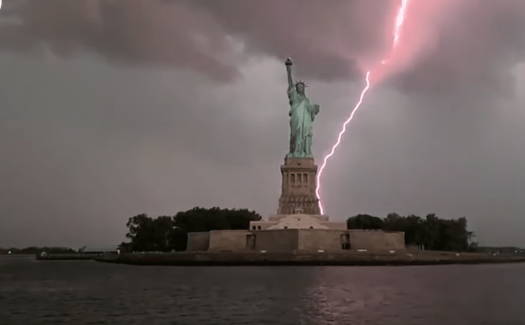 Fears of Harbingers as DC bombarded with lightning storm and Statue of Liberty struck by lightning