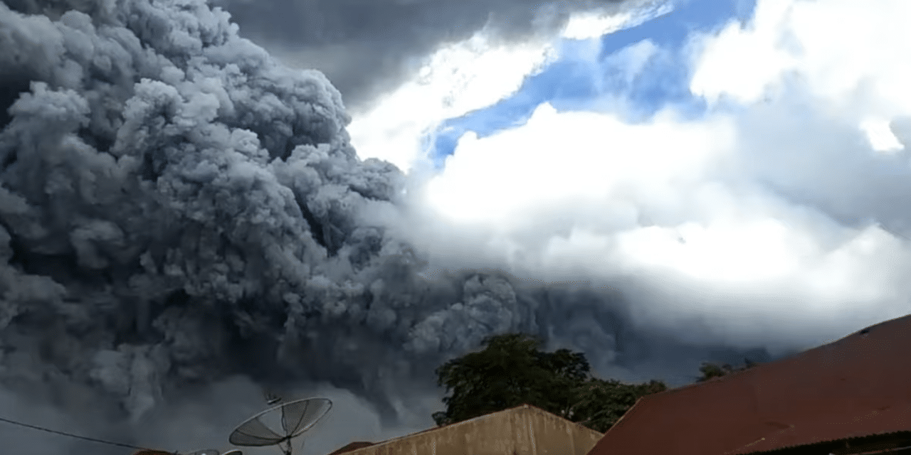 Powerful Volcanic Eruption in Indonesia Plunges Cities Into Darkness