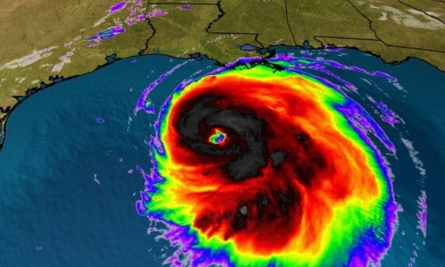"""Rabbi Claims Hurricane Threat to US """"Divine Retribution for US forcing Israel to Abandon Sovereignty"""""""