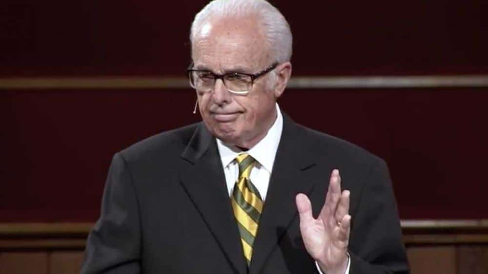 'The Government Can't Intrude in Worship': John MacArthur Defends Church Reopening to Tucker Carlson