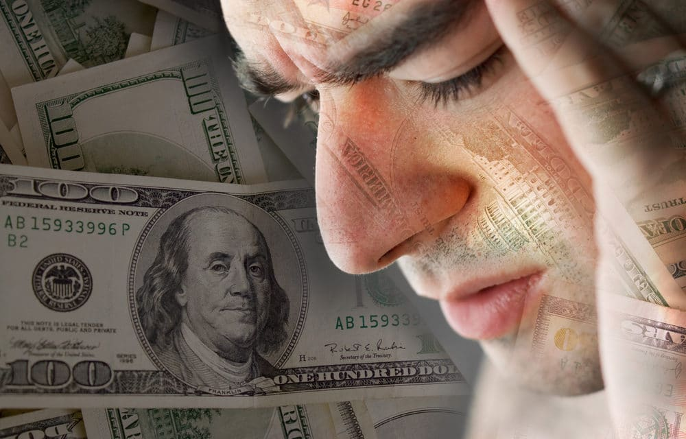 Outlook on US credit rating falls to 'negative'…Dollar flashes warning sign