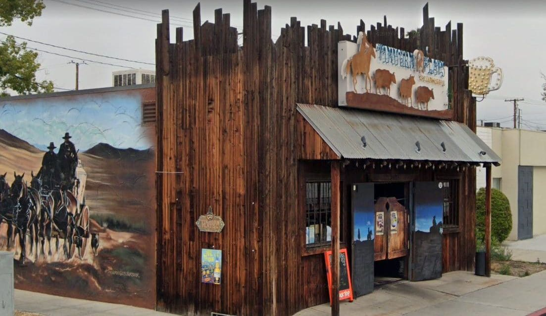 City in California places fence around restaurant to prevent outdoor dining