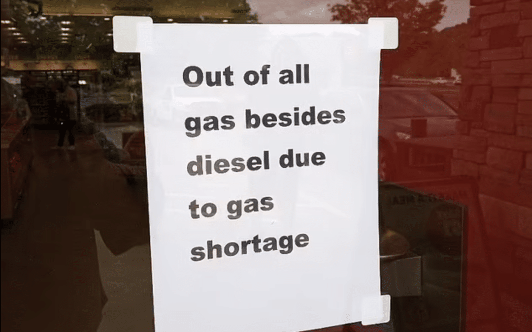 Gas stations running out of gas following cyber attack, Cars lining up to fill up