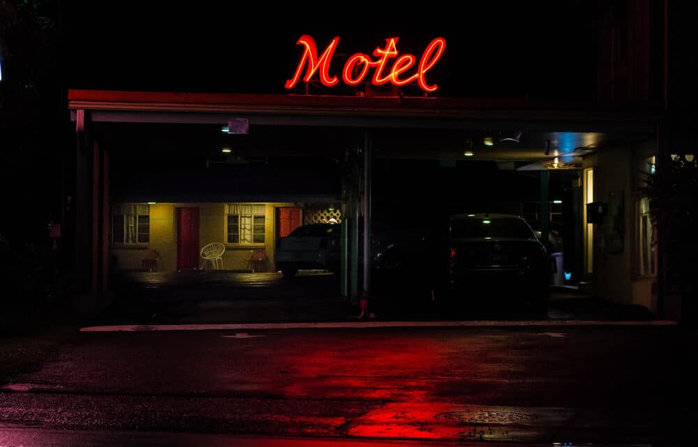North Carolina Motel Declares 'All Cops Are BAST***DS'