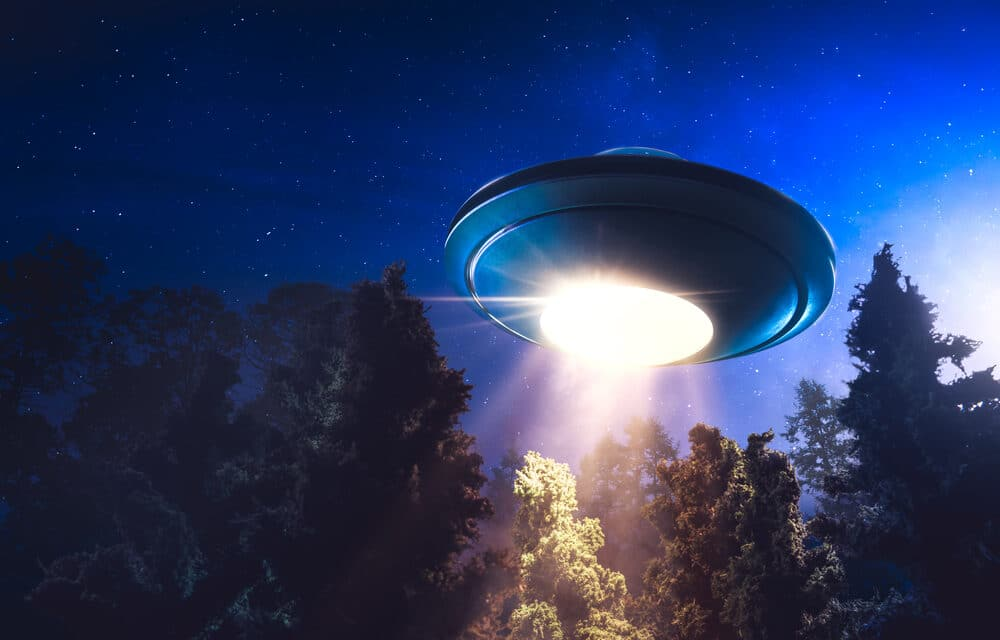 Expert warns UFO report 'can't rule out' aliens or Russian hypersonic weapons tests & world must wake up