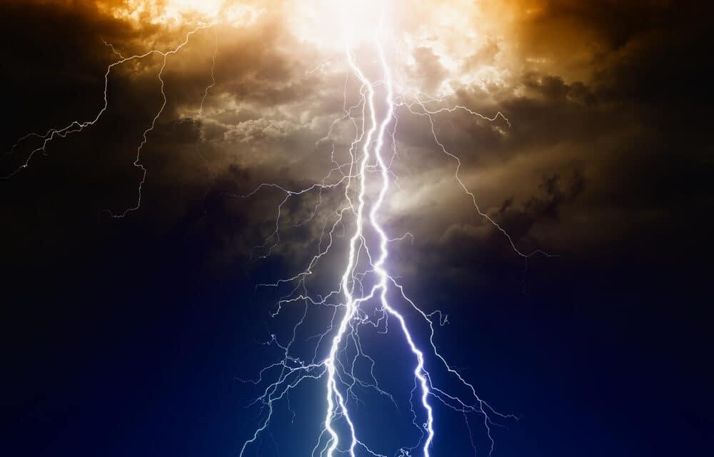 Lightning strikes kill 76 people in India