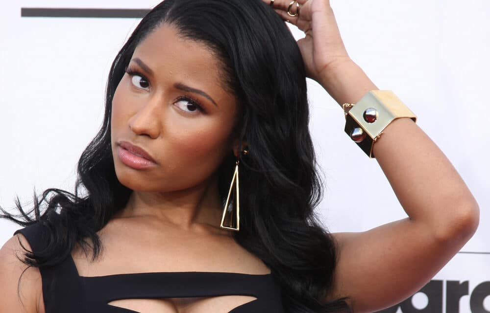 Nicki Minaj just called out reporters for 'threatening' her family and reveals text messages to prove it