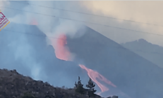 La Palma volcano continues to produce giant lava fountains, partial cone collapse and violent eruptions