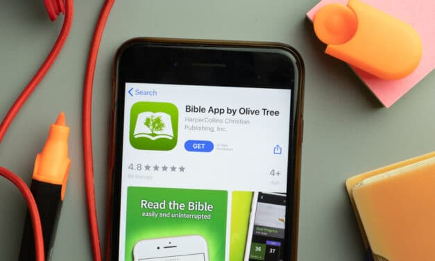 Apple removes Quran app and Bible app in China following the request of Chinese Communist officials